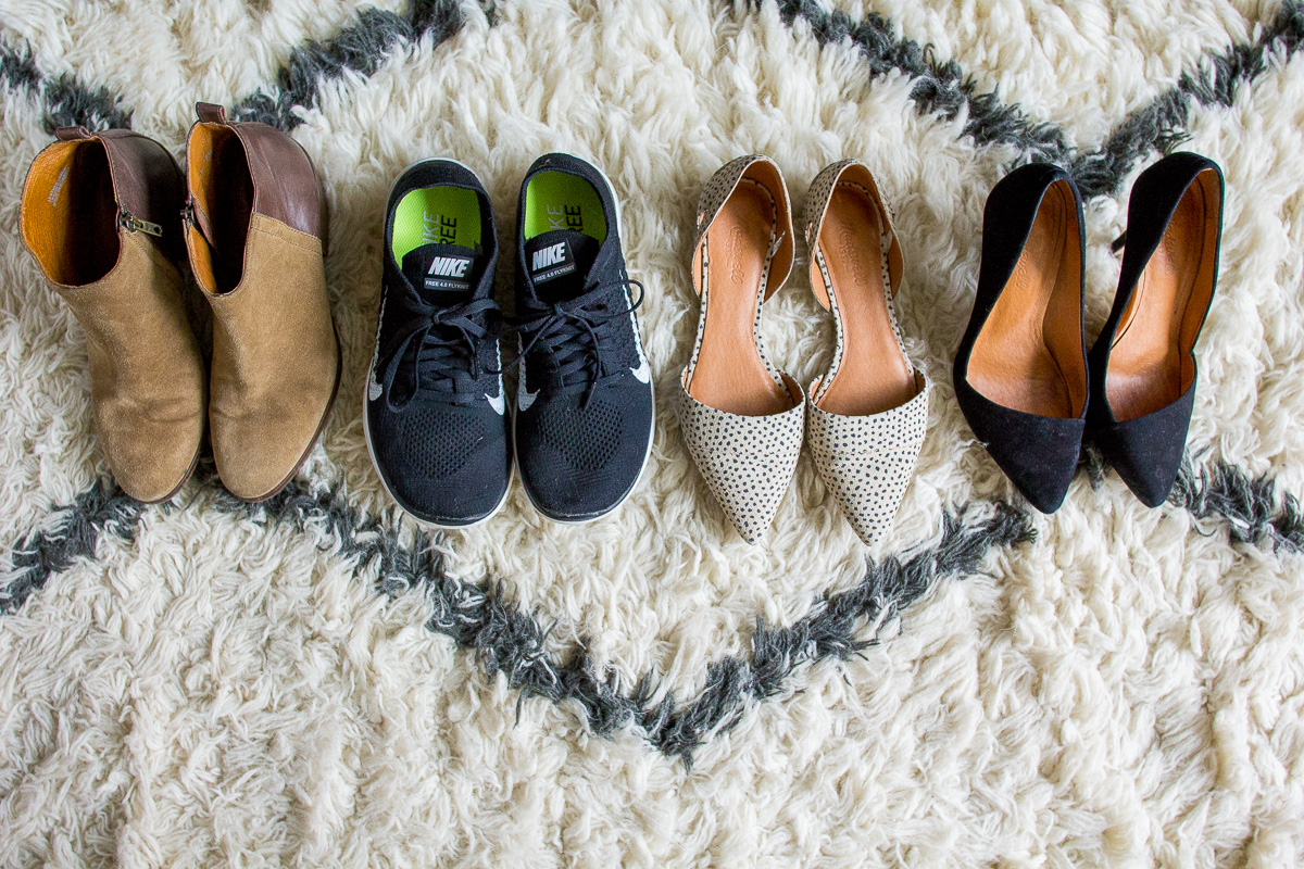 shoes to pack when traveling, travel shoes, packing list, basic shoes, wandeleur, travel essentials