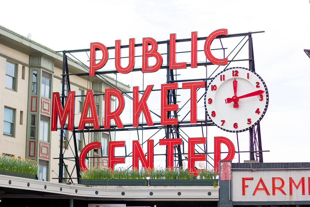 what to do in seattle, trip to seattle,  wandeleur, things to do in seattle, pike place market, public market center, seattle flower market
