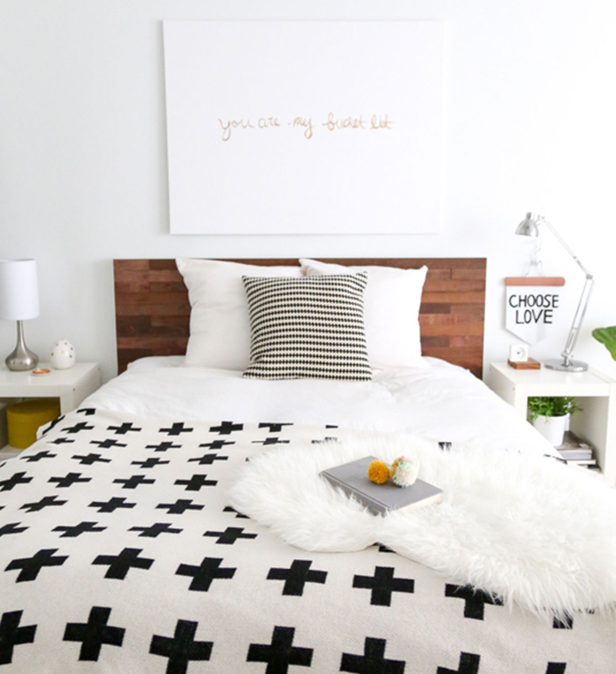 Best-Ikea-Hacks_DIY-Reclaimed-wood-headboard