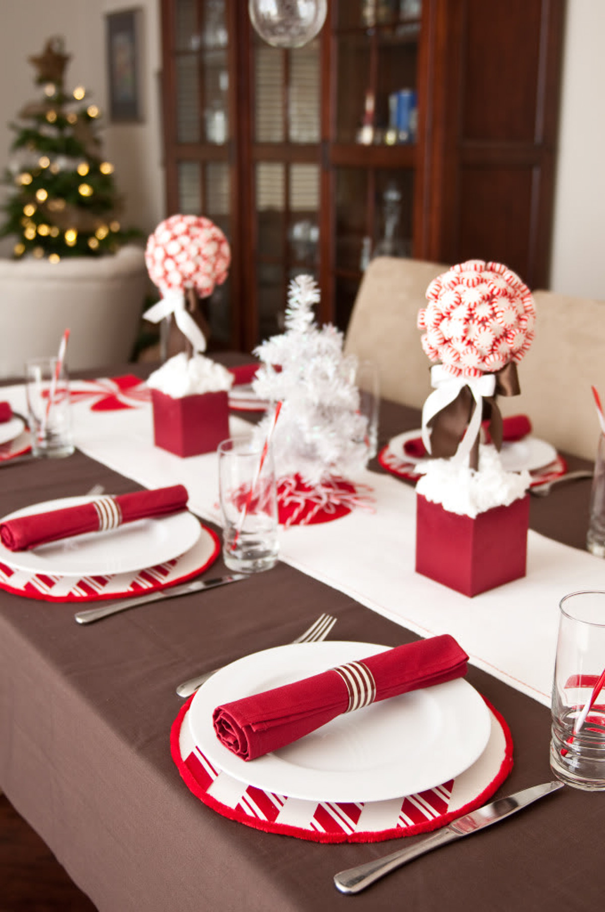 Holiday Table Setting Ideas_Creative Ways To Decorate The Table-1