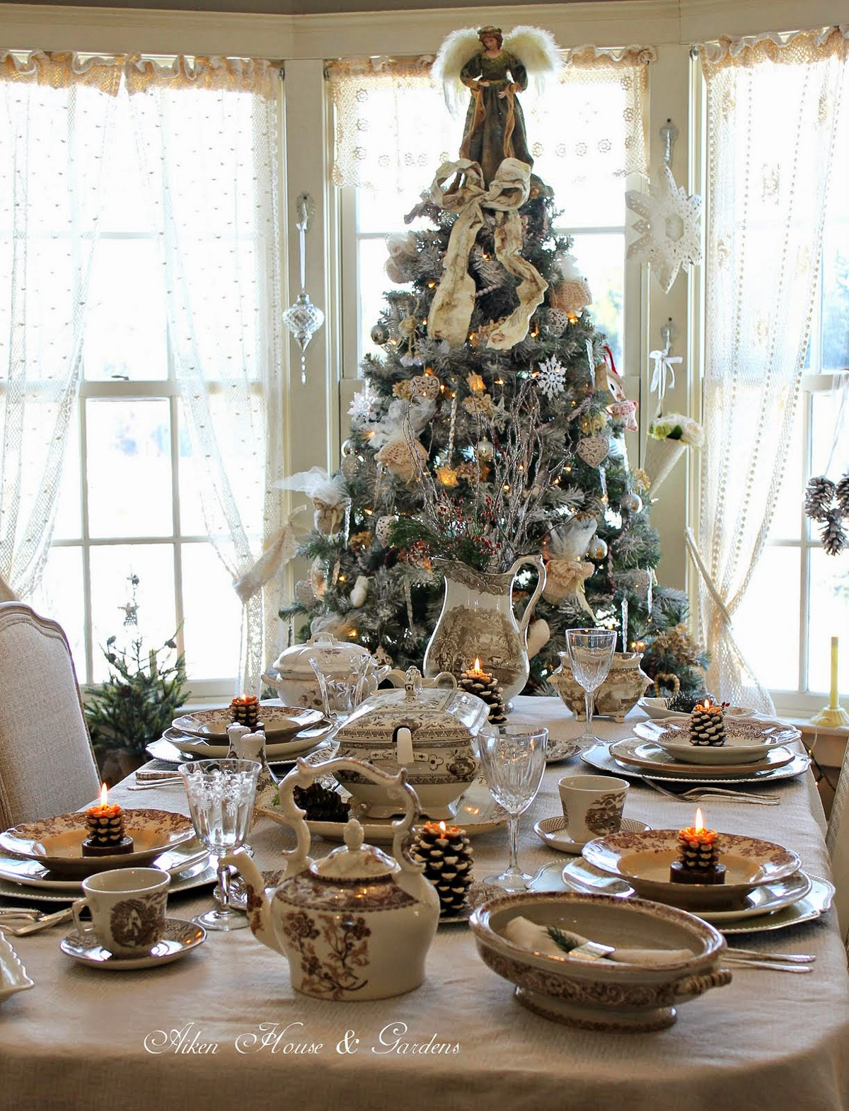 Holiday Table Setting Ideas_Creative Ways To Decorate The Table-14