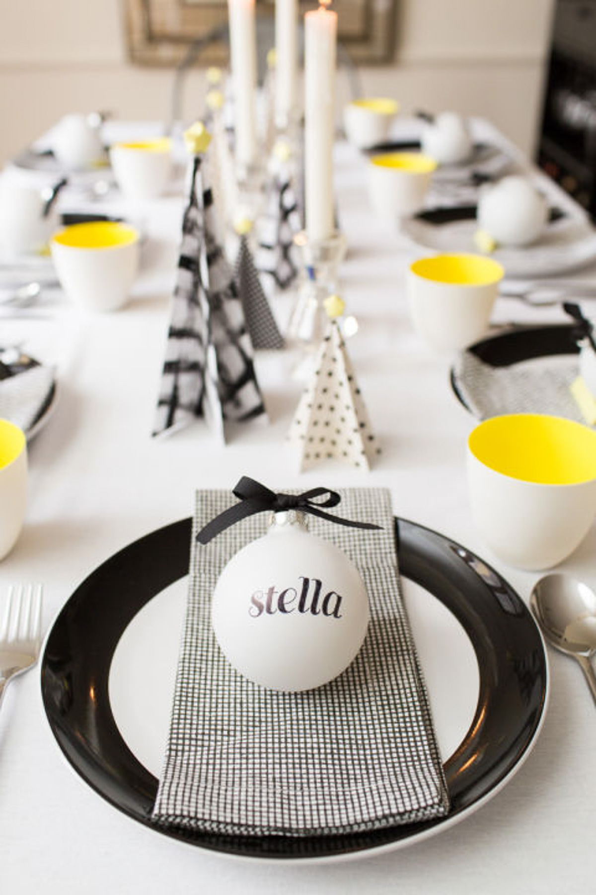 Holiday Table Setting Ideas_Creative Ways To Decorate The Table-15