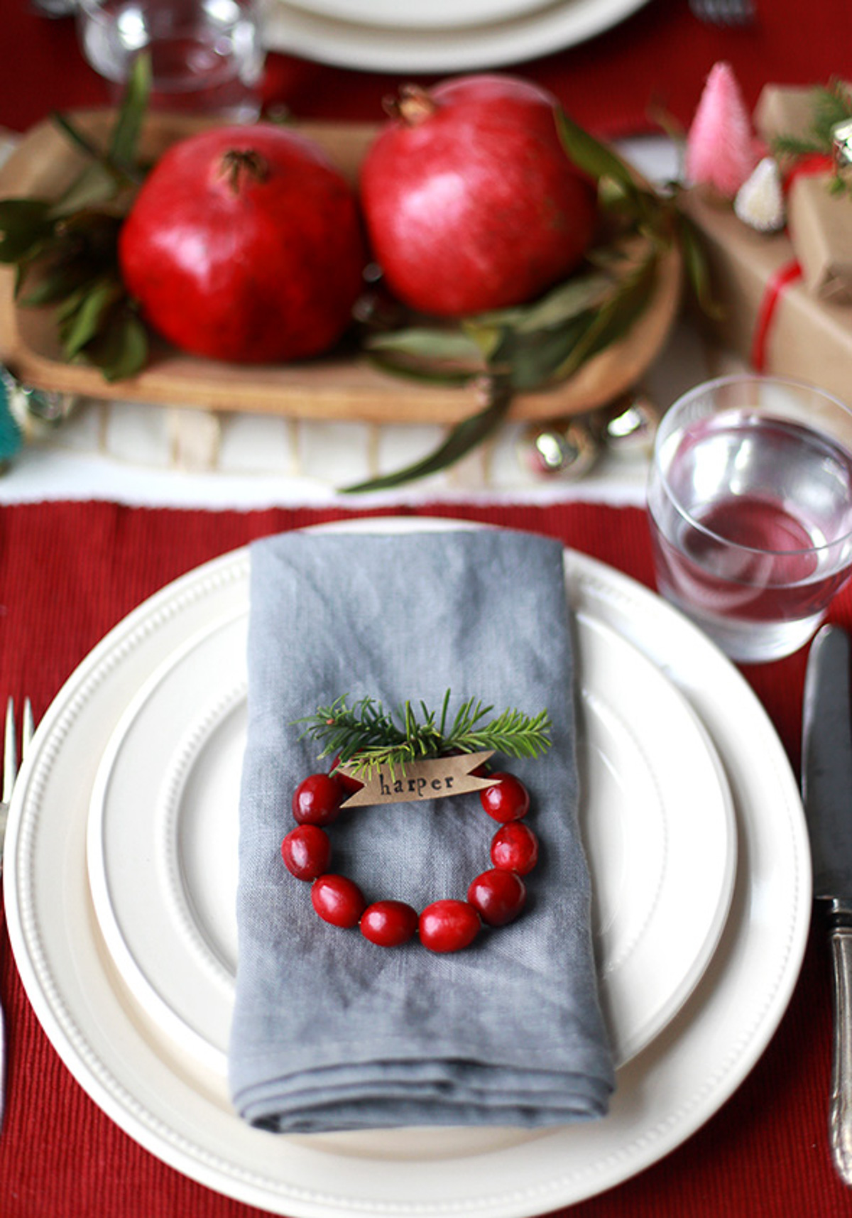 Holiday Table Setting Ideas_Creative Ways To Decorate The Table-16