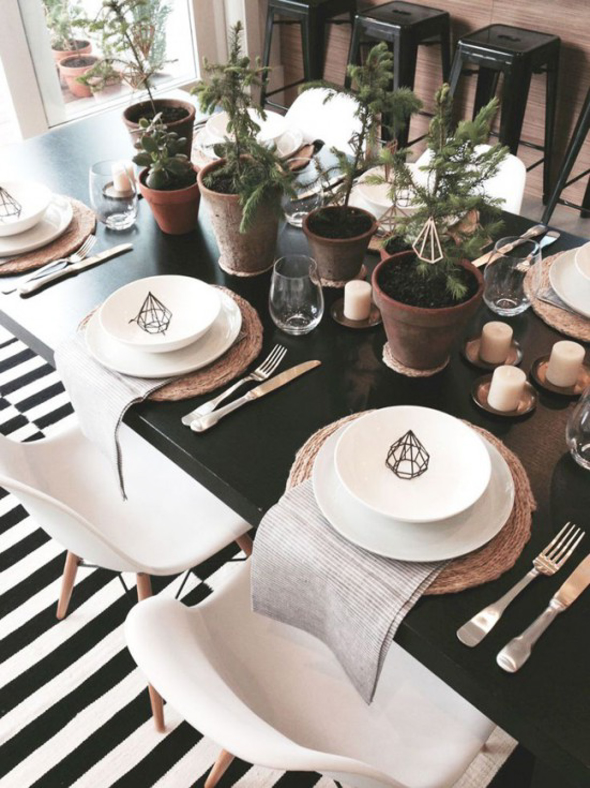 Holiday Table Setting Ideas_Creative Ways To Decorate The Table-21