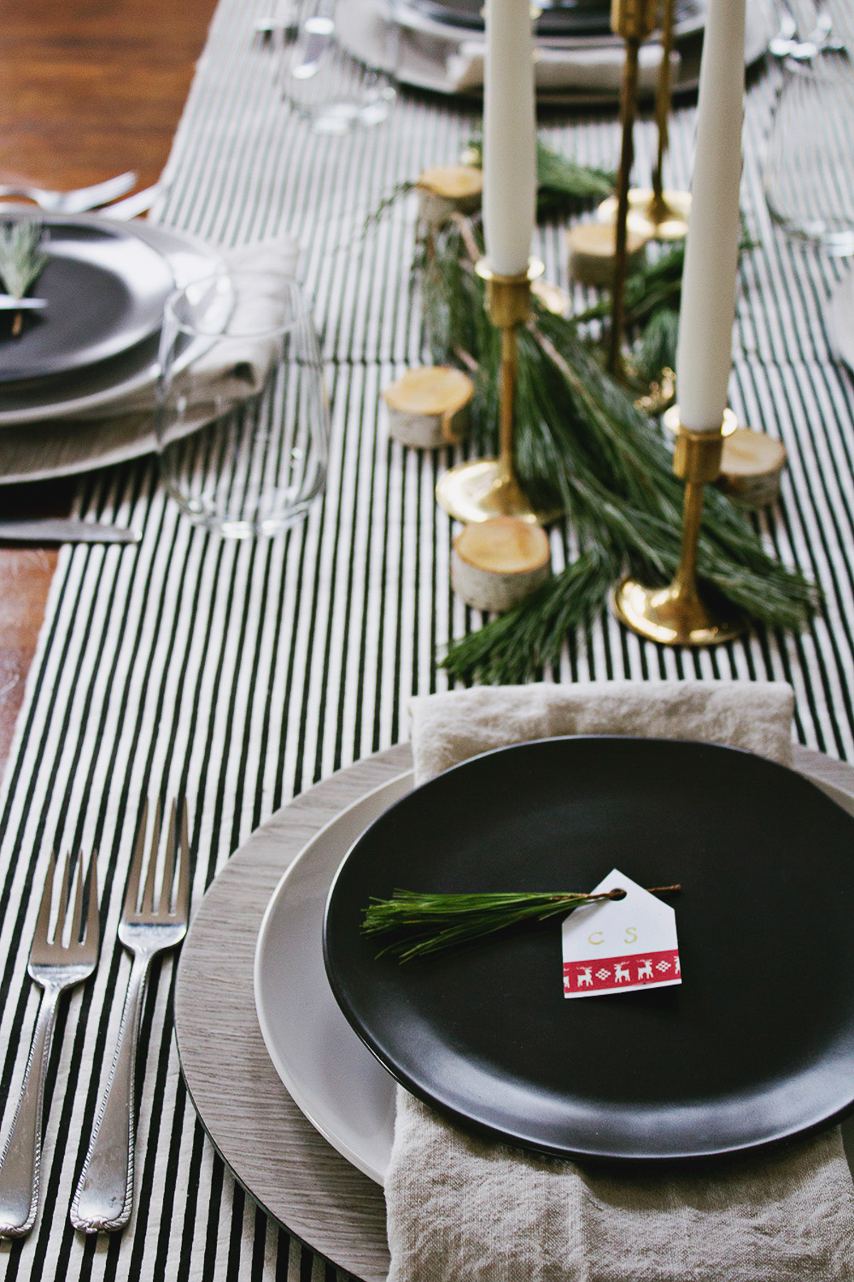 Holiday Table Setting Ideas_Creative Ways To Decorate The Table-6