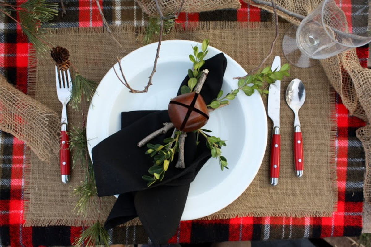 Holiday Table Setting Ideas_Creative Ways To Decorate The Table-8