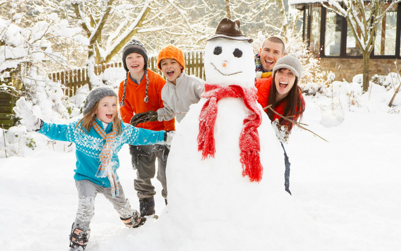 snowman-family-photo-idea