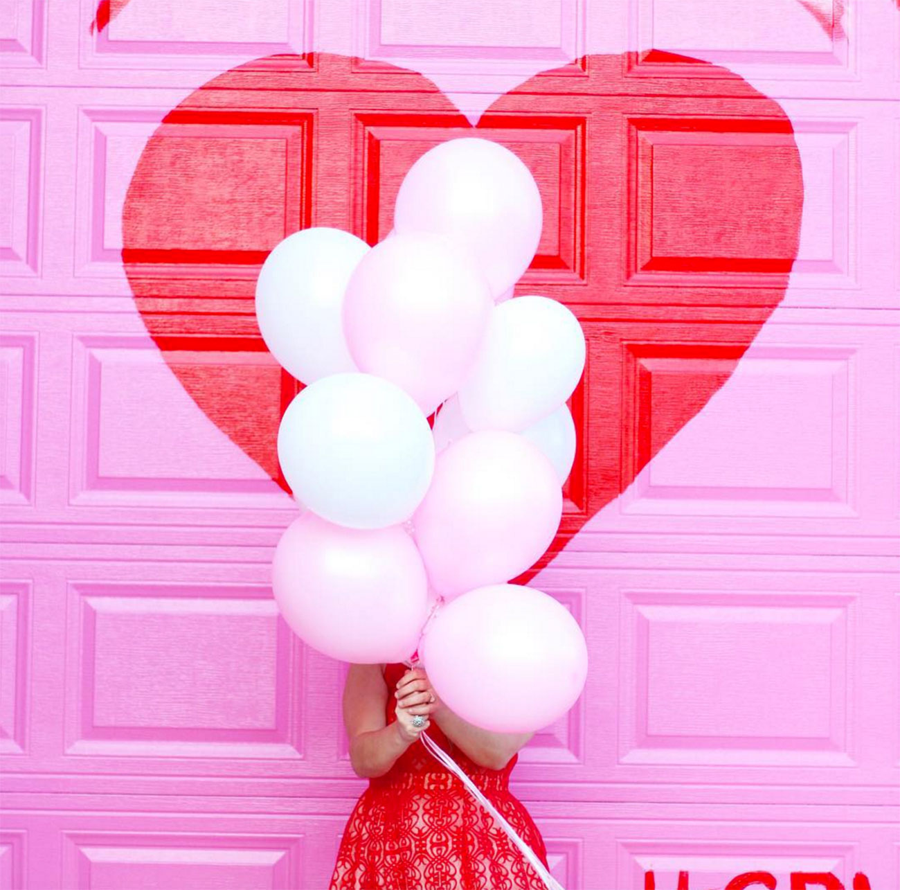 Balloons_Heart-on-door